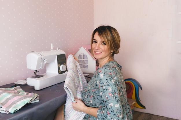 Занимаемся пошивом одежды на дому. занимаемся пошивом одежды на дому. любимое хобби