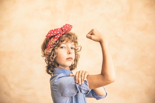 우린 할 수있어! 여성의 날. 3 월 8 일. 봄 휴가 개념.