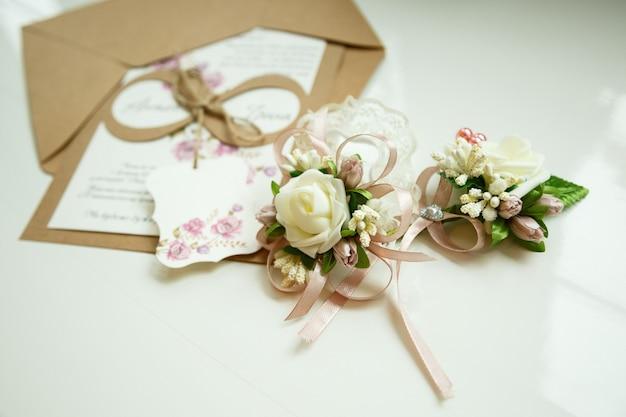結婚式の日の結婚式のアクセサリーの花嫁