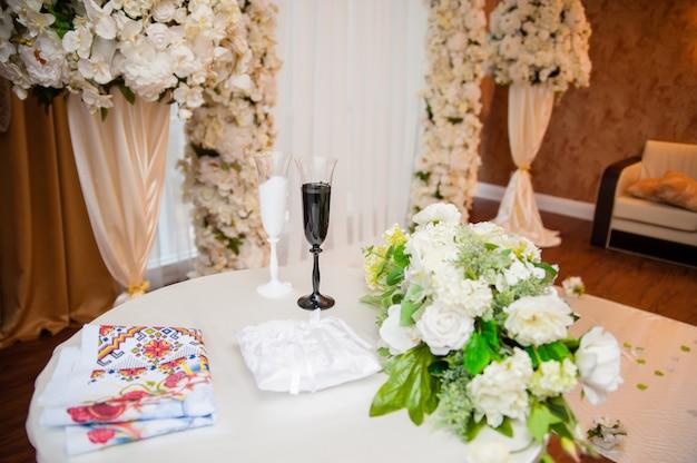 Свадебная арка и декор.