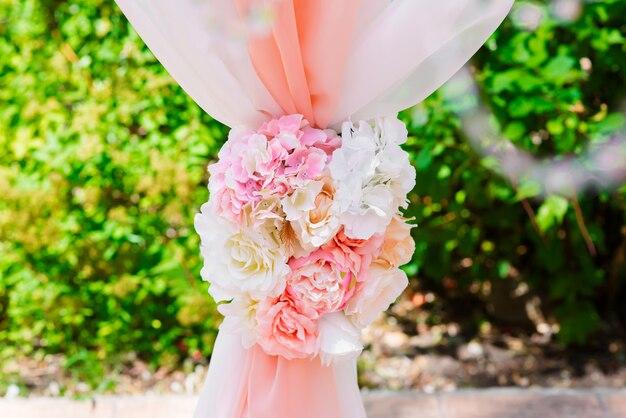Свадебная арка и свадебный декор.