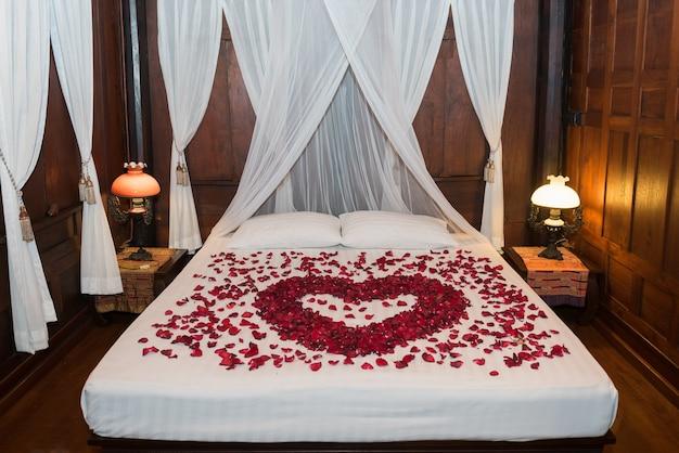 結婚式のベッド、タイの結婚式