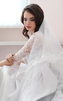 Свадьба, невеста в платье