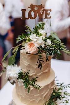 Wedding cake for celebrating marriage and holding a banquet