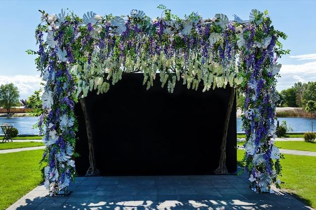 花の装飾と結婚式屋外結婚式の結婚式