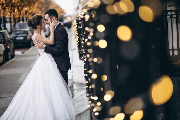 Свадебная пара во франции