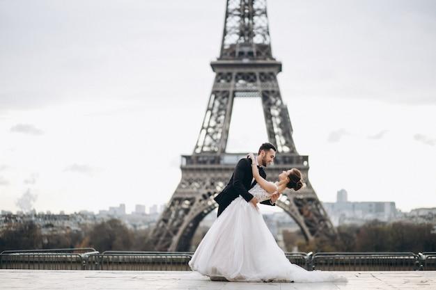 フランスのウェディングカップル