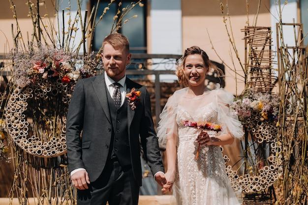 Wedding couple near a villa in france.wedding in provence.