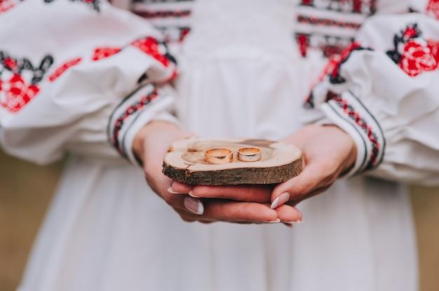 Свадебный декор, обручальные кольца