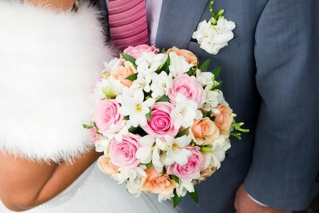 신부와 신랑의 결혼식 이미지