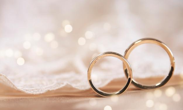 빈티지 레이스에 결혼 반지