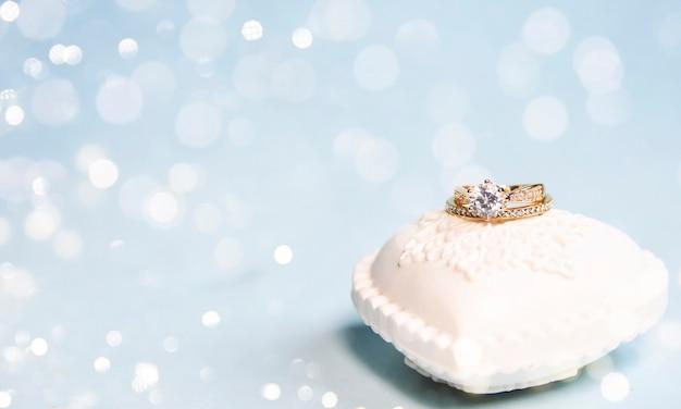 하얀 마음에 결혼 반지