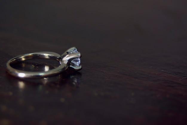 ダイヤモンドと結婚指輪ホワイトゴールド