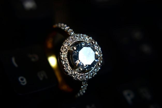 ダイヤモンドの結婚指輪
