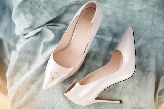 結婚式の靴とリング