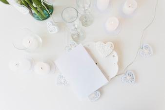 メガネのある結婚式の静物