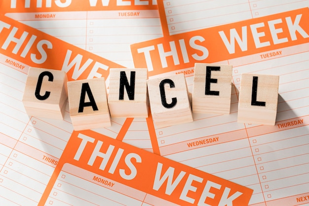 Week agenda with canceled message