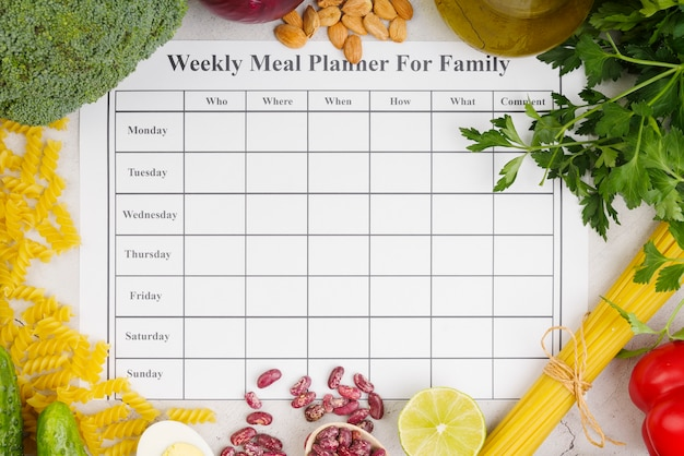 Еженедельный планировщик еды для семейной концепции