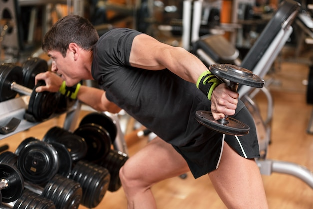 Weight training exercise for building muscle