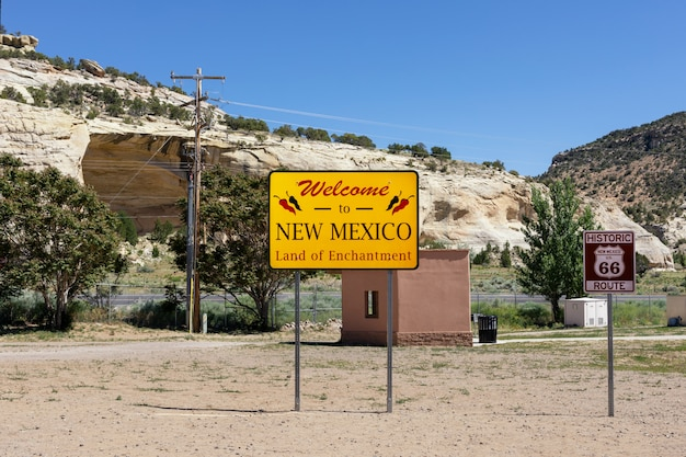 Welcome to new mexico sign along the highway at the state border.