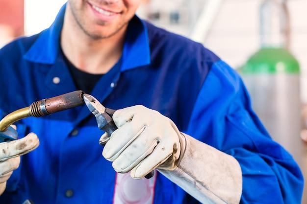 Welder inflame welding device