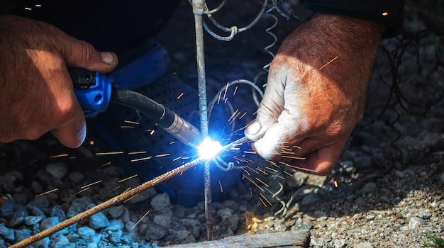 溶接機溶接鋼棒鉄筋