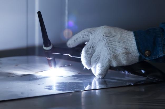 Welding work in factories.
