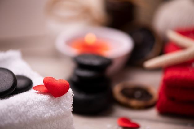 Оздоровительная документация на день святого валентина со свечами и камнями