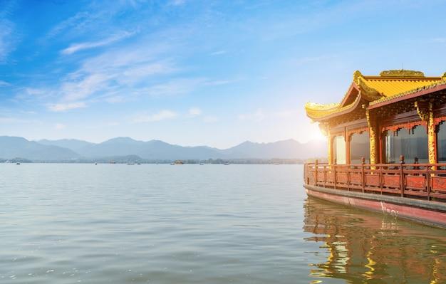 West lake hangzhou круизное судно