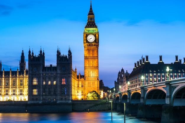 Westminster abbey and big ben at night, london, uk