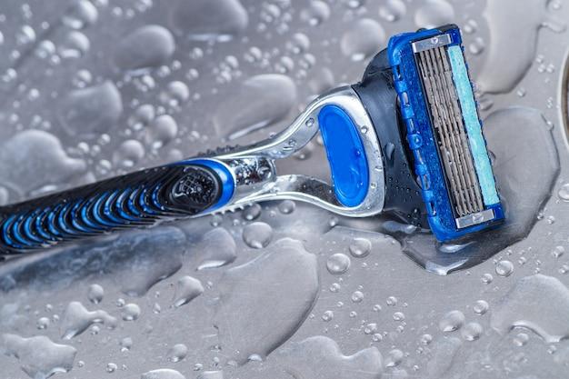 Wet disposable razor isolated