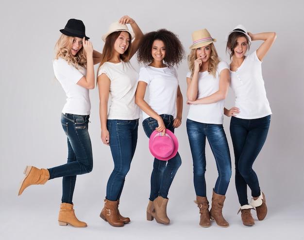 Che tipo di cappello va di moda in questa stagione?