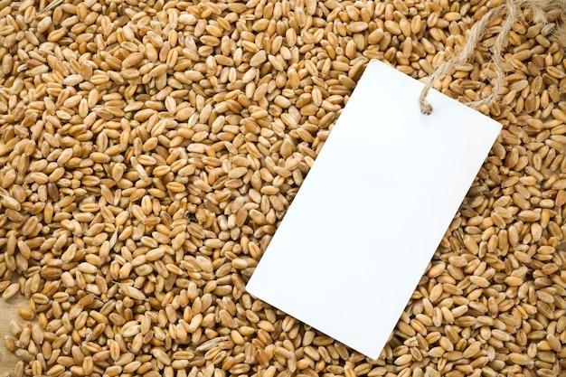 小麦粒とタグの価格