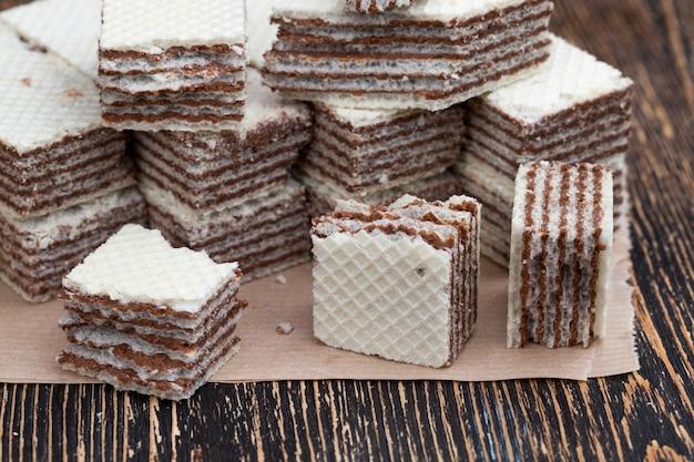 초콜릿 필링을 곁들인 밀 와플