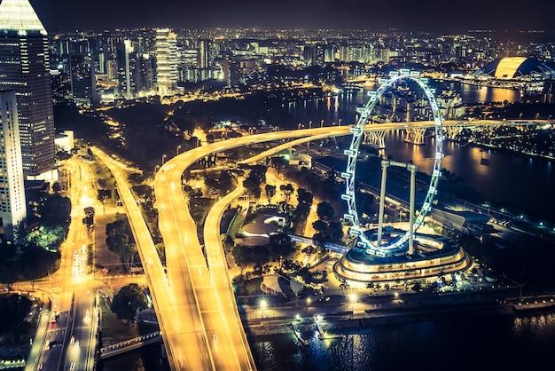 Wheel landmark skyline tourism city