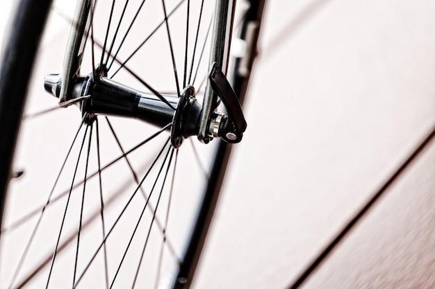 Колесо велосипеда в винтажном стиле