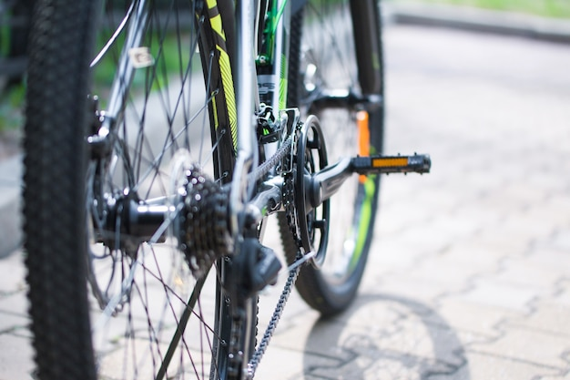 Wheels pedals bicycle chain mechanism of switching of speeds of the modern mountain bicycle