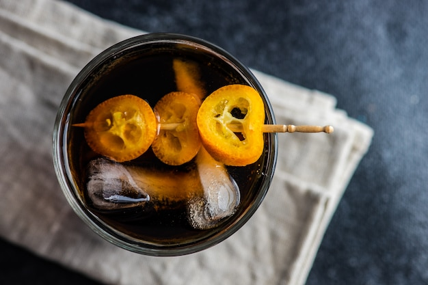 Whisky with cola and ice