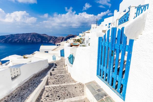 흰색과 파란색 산토리니 섬, 그리스