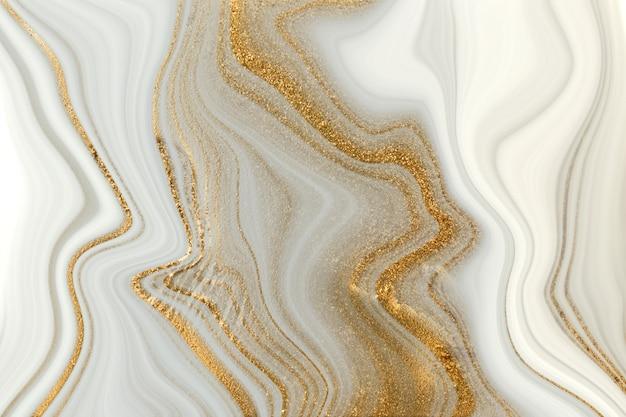 Белая и серая мраморная текстура с прожилками золота. легкий агатовый фон рябь.