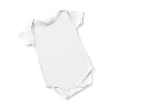 白い背景で隔離の白い赤ちゃんロンパースモックアップ