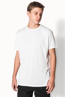 소년 청소년 의류 스튜디오 촬영을위한 흰색 기본 티셔츠