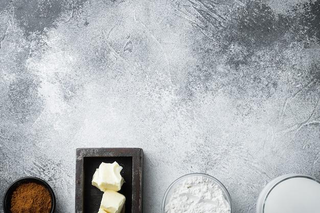 흰색 bechamel 소스 재료 세트, 회색 돌 테이블, 평면도, 평면 위치