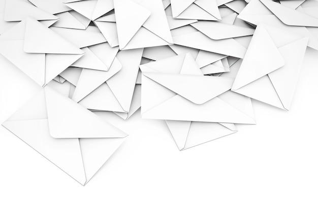 白い空白の封筒の手紙白い背景の上のヒープ。 3dレンダリング