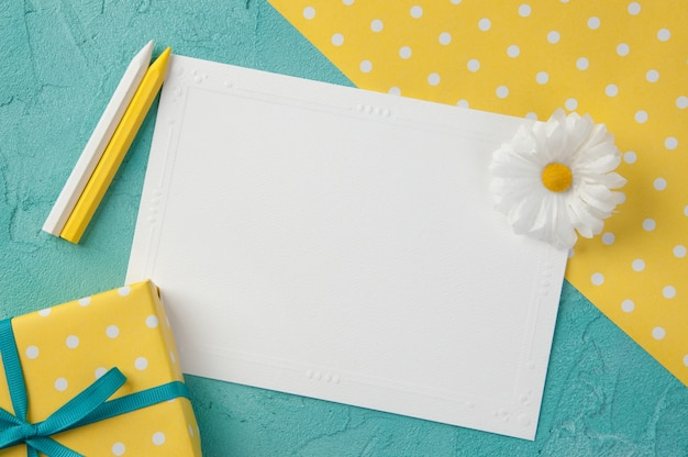 White blank note