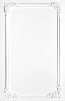 ルネサンス様式の石膏の白い空白の古いフレーム。