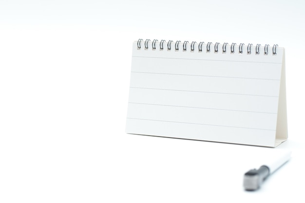 ホワイトボードセット。ブランクボードとペンが含まれています。分離されたベクトルデザイン。