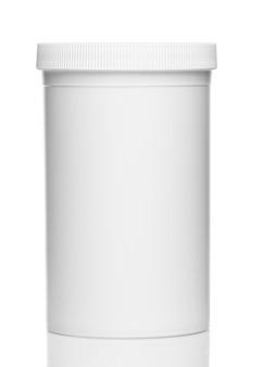 白い背景に分離された化粧品や家庭用化学薬品からの白いボトル