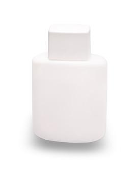 Белая бутылка с кремом для бритья, вырезанным изолированно