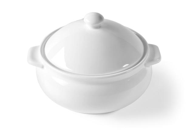 Белая чаша чаши тазика изолирована на белом фоне с обтравочным контуром